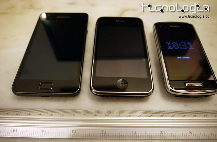 comparativo Samsung galaxy s2 - iphone 3G - Nokia C6-01